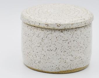 Small Speckled White Salt Cellar with Lid, Rustic Farmhouse Ceramic Salt Cellar, Stoneware Salt Pig, Kitchen Pottery Salt Dish with Lid