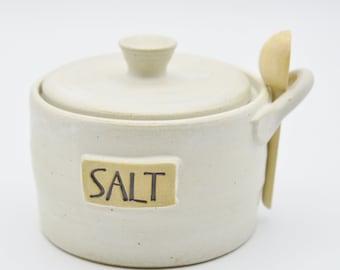 Salt Cellar with Lid and Wooden Spoon, Speckled White Stoneware Salt Pig, Salt Keeper, Farmhouse Kitchen Decor, Ceramic Jar with Lid