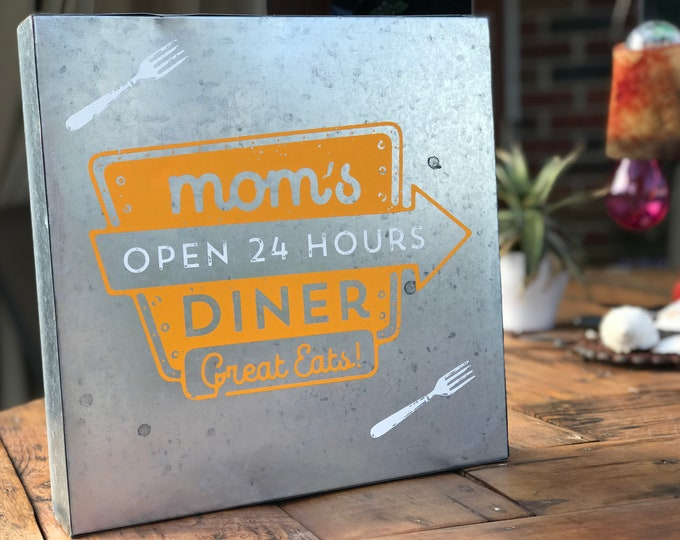 Mom's Diner Metal Sign