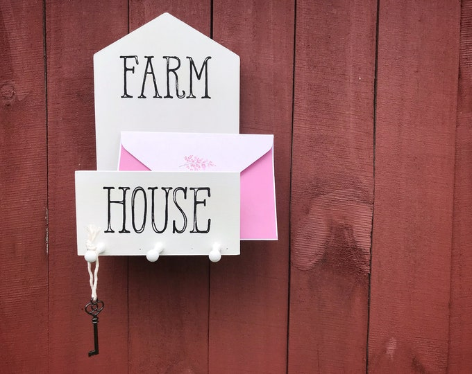 Farmhouse Mail & Key Holder