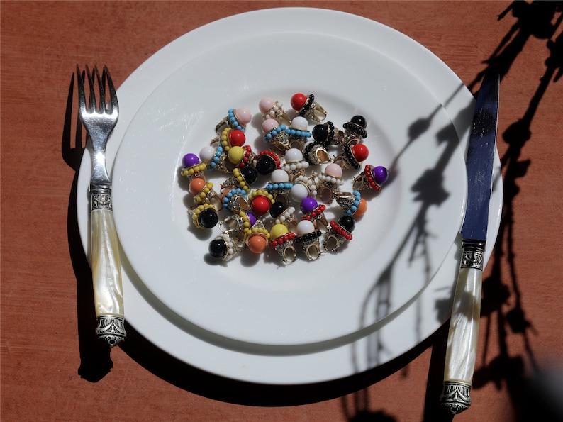 Boucles d/'oreilles Art D\u00e9co Dormeuses Lever-back Bateau Dor\u00e9 Perle en Verre Mini perle Blanc Tribal Vintage Style 1920s Mariage