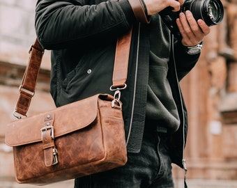Personalized Top Grain Italian Leather Messenger Bag Camera Bag for Mirrorless, Instant, DSLR Cameras, Travel Bag, Unisex - Handcrafted