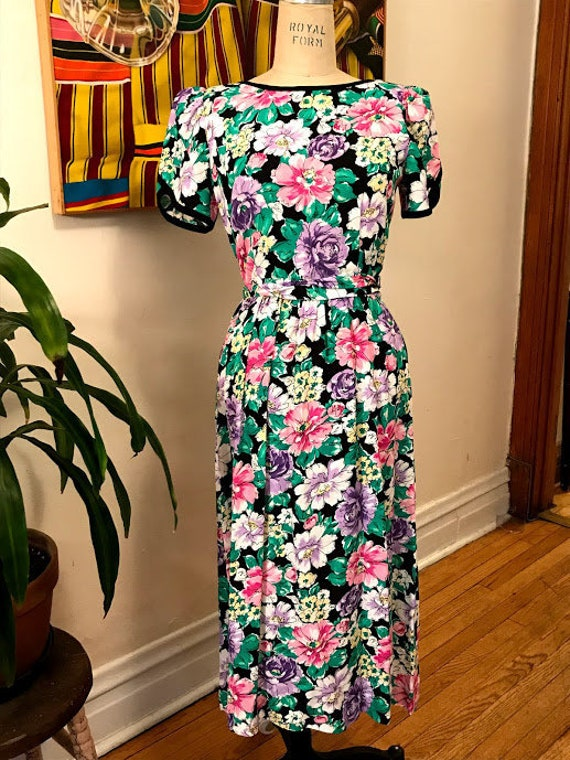 Vintage 80's does 40's Floral Sheath Dress with Tu