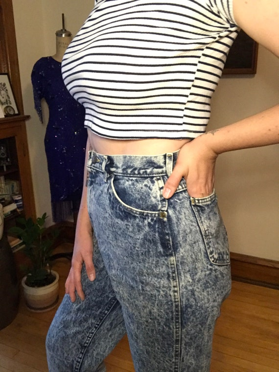Vintage 80's - Acid Wash Tapered Mom Jeans by Lee