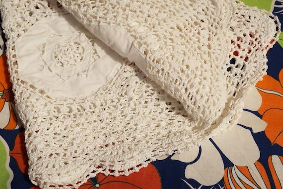 Crochet Tablecloth Vintage Shabby chic 1.1 m x 1.18 m