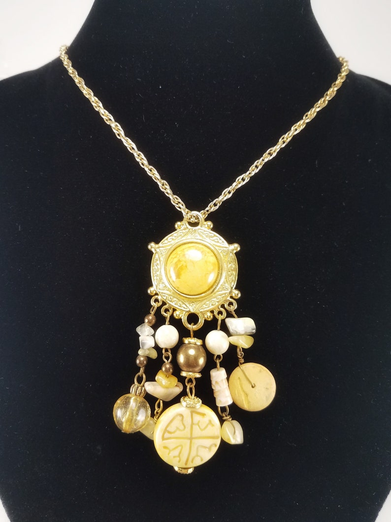 Vintage Express Gold Tone Beaded Circle /& Dangle Pendant with Rope Chain Necklace Costume Jewelry Retro Statement Women Earth Tones