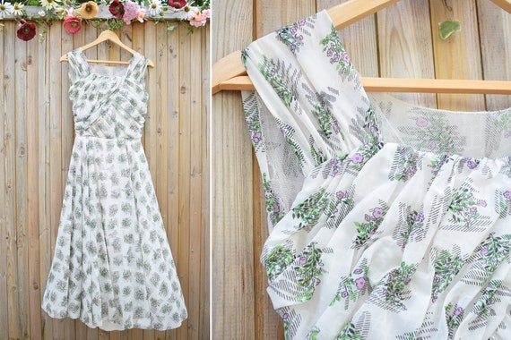 1950s White Lavender Floral Layered Printed Summer