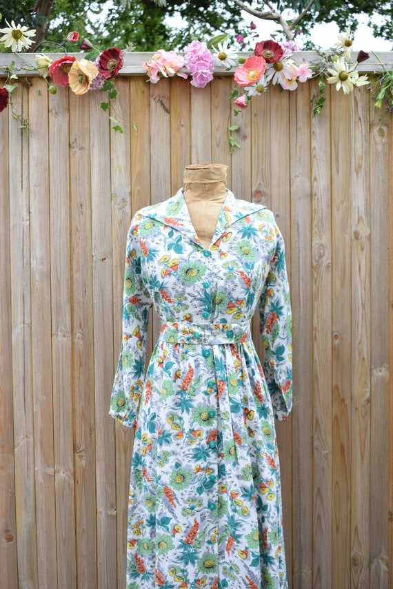 1940s Floral Tropical Print Housecoat - image 5