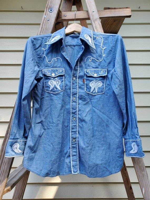 Vintage Levi's hand embroidered chambray 70s