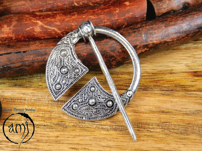 AMJ druid pin Celtic knot brooch cosplay clasp jewelry norse larp accessory medieval nordic penannular little cloak and scarf clip