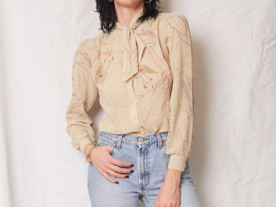 Vintage 70s Tie Neck Blouse / Sheer Floral Retro P