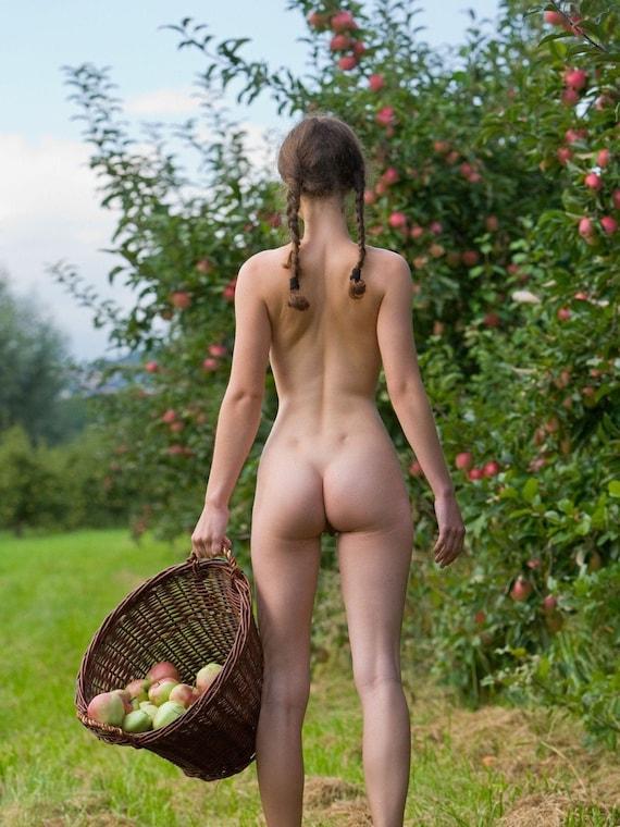 Nude nice Nice Nubiles