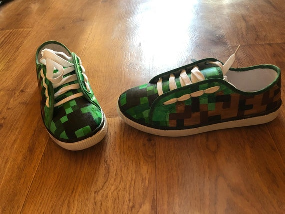 Custom hand painted Minecraft Creeper sneaker Adidas Stan Smith, Minecraft shoes, Creeper shoes for Children