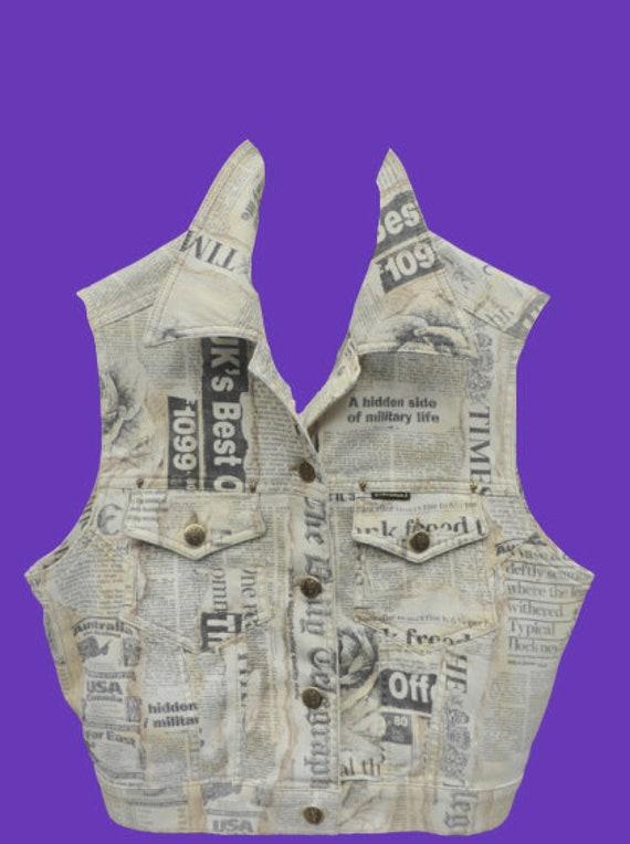 White Newspaper Print Sleeveless Vest L