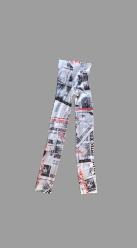 Black and White Newspaper Legging M