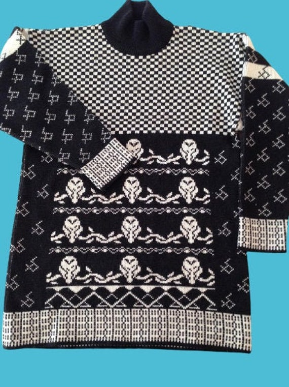 Black Turtleneck Pullover M