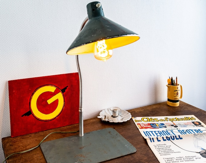 "Office lamp of the 1950s so-called ""administrative"""