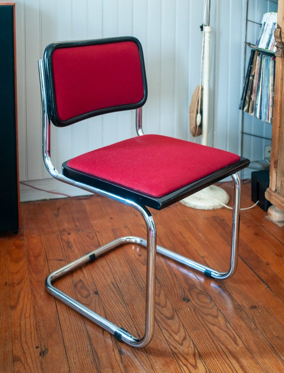 Chair B32 Marcel Breuer red fabrics Italy vintage 80