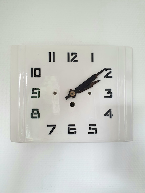 Mechanical ceramic clock by HBCM