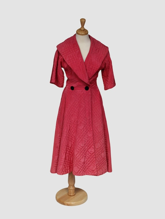 Vintage Coral Pink Quilted Bathrobe, Ladies 1950s