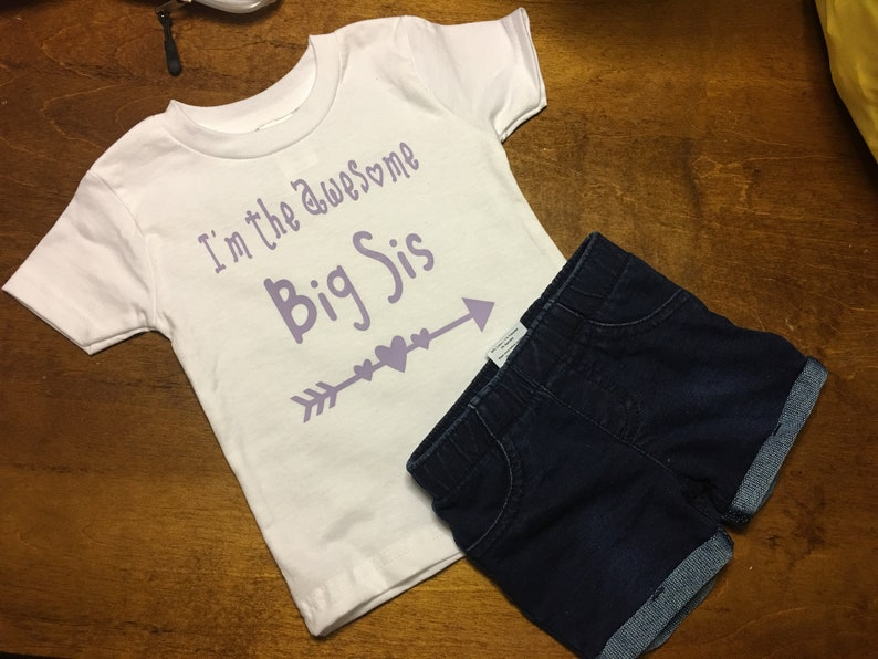 Customized BigLittle Sister shirt Funny Baby Clothes Toddler Funny shirt Infant Funny Tshirt Custom Baby Gift Baby Shower Gift,