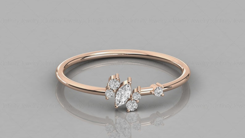 14k Gold Marquise And Round Diamond Cluster Ring