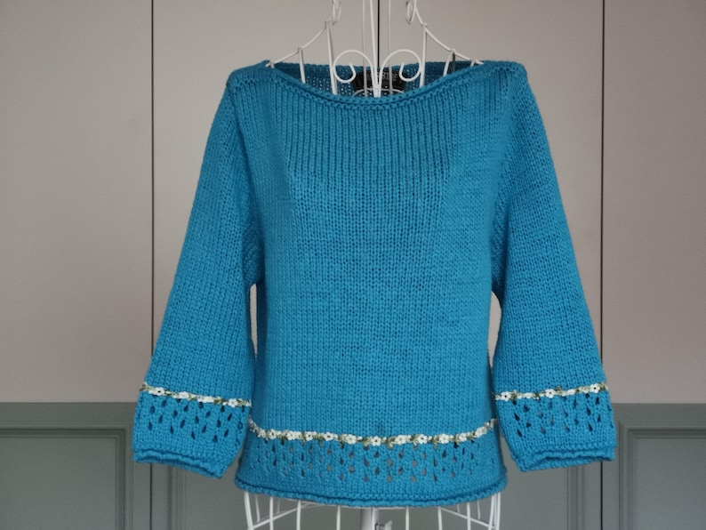 Emerald Blue Women/'s Top Floral Motif Vintage 90/'s Lolita Sweater Made in Italy Boat Neckline Blouse size SM Spring  Summer Sweater