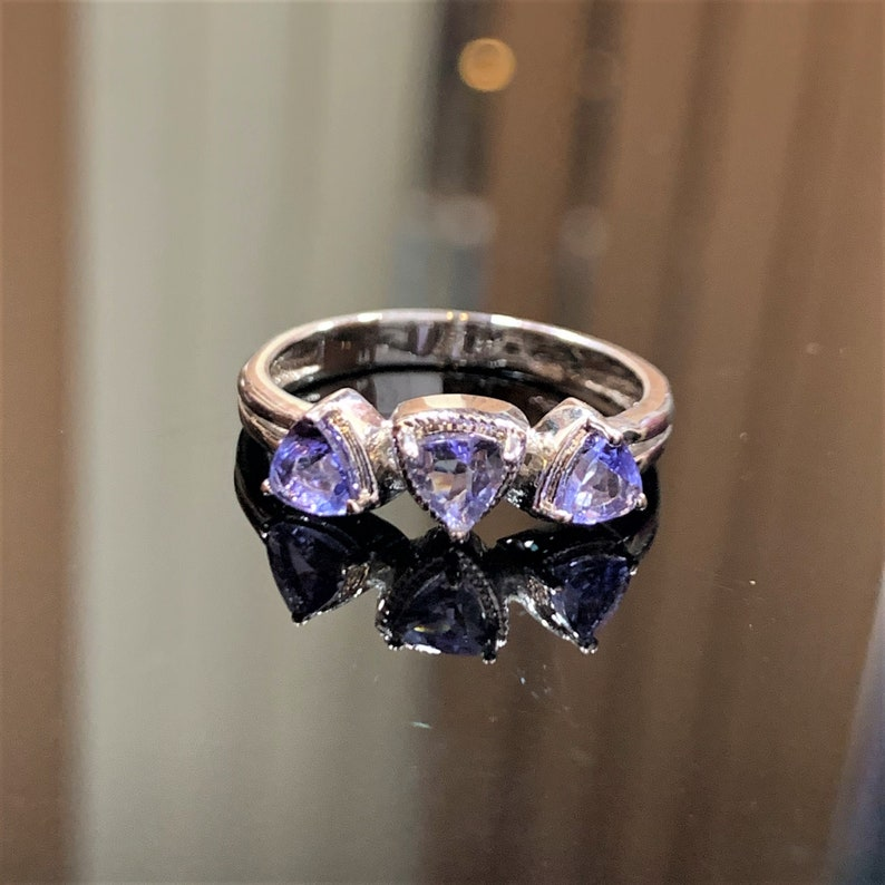 A29-48 Weight 2.3 Gram Tanzanite Silver Ring Stone Shape Trillion 925 Sterling Silver Natural Tanzanite Ring Stone Size 5X4 Jewelry