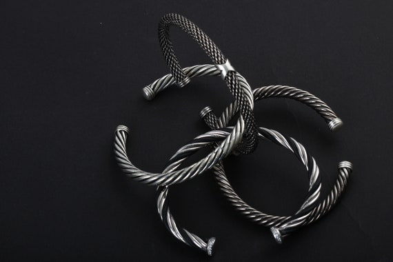 Gulan is a brand new collection of jewellery (silver and gold) influenced by ancient traditions of craftmanship.