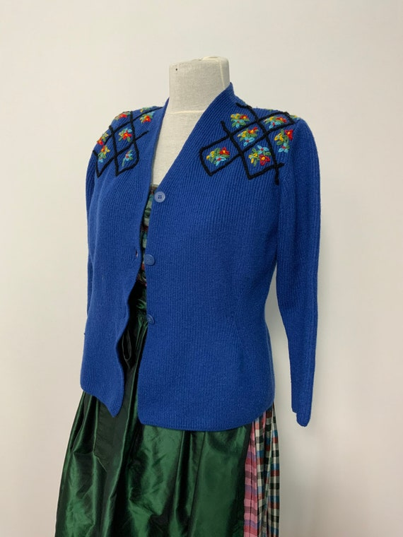Tyrolean  sweater, hand embroidery flowers, Austri