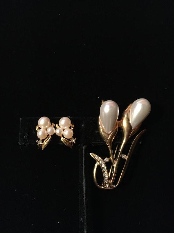 Vintage Marvella Faux Pearl Earrings & Faux Pearl… - image 1
