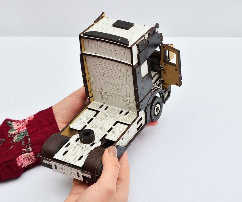 Car transporter 3D Wooden Constructor Car transporter with trailer Wood Puzzle car carrier Kids Wooden Model Assembled toy model kit