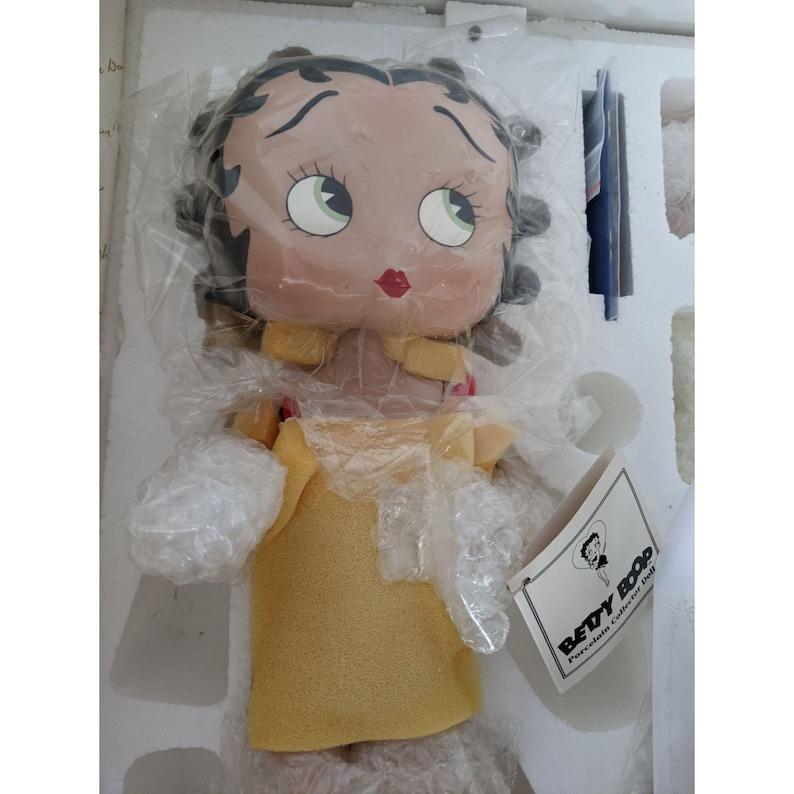 Danbury mint Betty boop bathing beauty NEW figurine statue