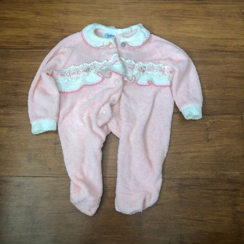 80s baby clothes Carter/'s Onsie Vintage Carter/'s Button Up Onesie with Lace Detail Made in USA Vintage Baby Clothes