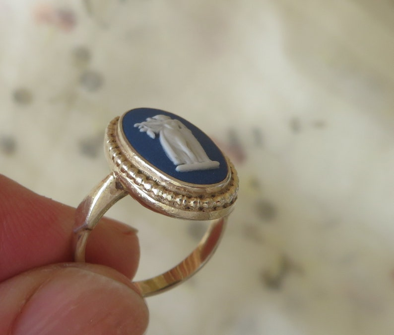 English Made Lady with harp size L Vintage Gold on Sterling Silver Wedgwood Dark Blue Jasperware ring