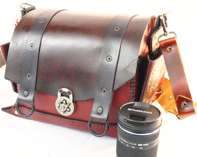 Handmade Leather Camera Bag; Custom Camera Case; Padded Interior; Custom Artwork of your choice, and Personalization Available