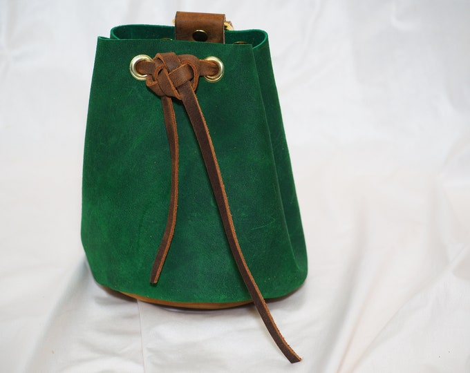 Forest Green Suede Leather Drawstring Pouch; Medieval RenFaire Coin Satchel; Dice Bag; Medium Sized Pouch; Personalization Avail