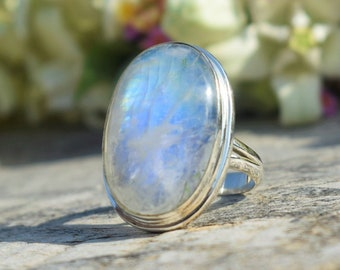 Oval Cabochon Gemstone Rose gold Ring Blue sheen Gemstone Solid 925 Sterling Silver Rainbow moonstone Ring Blue Flash Ring