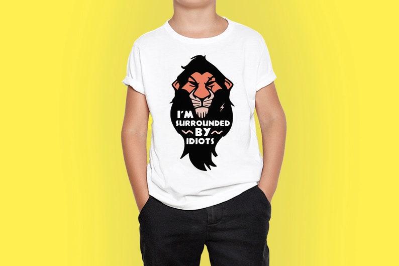 Scar Lion König lustige Kind T Shirt ich bin umgeben von