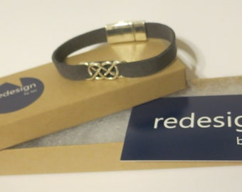 Infinity bracelet. Celtic style bracelet. Classy casual charm bracelet. Custom made sized bracelet. Gift bracelet. RedesignMJ