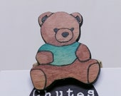 Bear brooch in recycled wood, hand painted and laser cut, eco-friendly cuddly toy bear, elegant brooch and fashion accessory