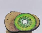 Elegant kiwi brooch in recycled wood, hand painted and laser cut, fruit themed jewelry, realistic wooden jewelry upcycled