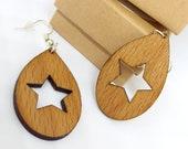 Openwork star dangling earrings in beech, handmade and laser nickel free in stainless steel, ethical jewel in recycled wood