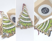 Christmas tree decoration and toilet paper, humorous Christmas ornament, humor, Christmas in confinement and quarantine, Christmas garland
