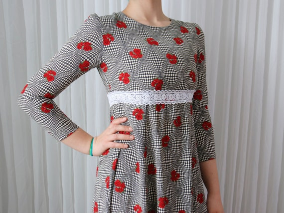 80's Optical Illusion Rose Graphic Dress (Size Med