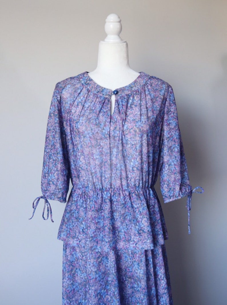 40/'s  50/'s purple /& blue floral peplum dress