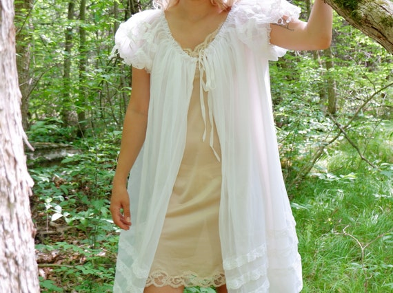 Vintage 50's / 60's Cape with Layered Ruffled Slee