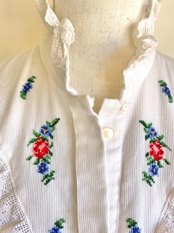 Vtg Hungarian button down Blouse with detailed la… - image 7