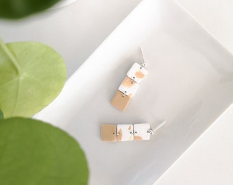 Silver earring, square white and ecru, silver metal nail. Modern jewel for women
