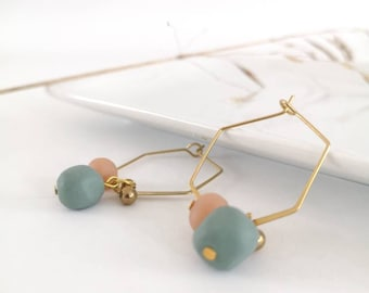 Brass ear ring, pink and green ball in polymer clay and brass ball. Modern jewel for women